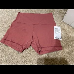 "Lululemon brier rose shorts align 6"""